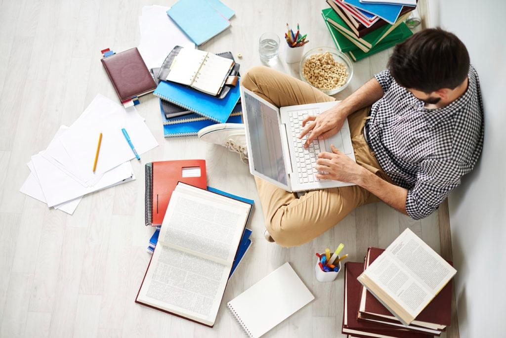 نرم افزار آزمون آنلاین از نرم افزار مدیریت آموزشگاه دمان